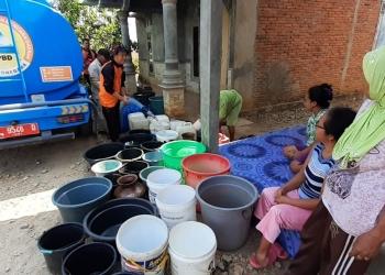 bantuan air bersih