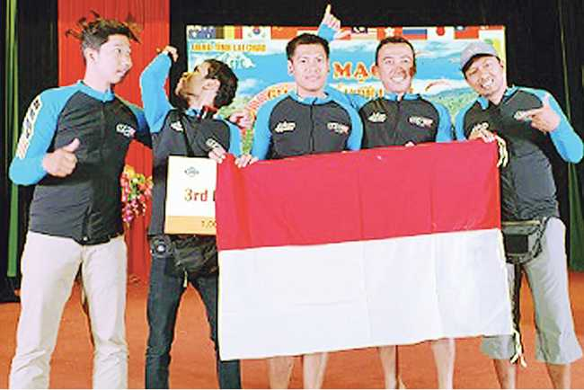 RAIH PERUNGGU: Tim Bali I yang merebut perunggu di Kejuaraan Vietnam Open 2019, dua di antaranya atlet Banyumas, Muhibin dan Damar Azis.(SM/dok)