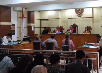 HADIRKAN SAKSI: Sidang gugatan atas aset Yayasan Putera Harapan Banyumas mendengarkankesasksian sejumlah pihak yang dihadirkan di Pengadilan Negeri Purwokerto, Senin (9/3).