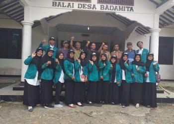 KKN : Mahasiswa IAIN Purwokerto yang sedang melakukan KKN, foto bersama dilokasi KKN, beberapa waktu lalu. (SM/dok)