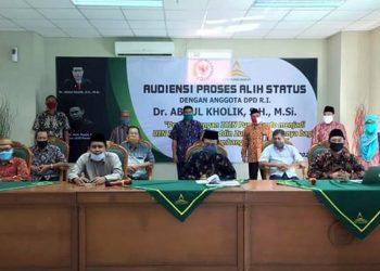 AUDIENSI: IAIN Purwokerto menggelar Audiensi alih status menjadi Universitas Islam Negeri (UIN)  Prof KH Saifuddin Zuhri, bersama anggota DPD RI, Dr Abdul Kholik SH MSi, Jumat (5/6). (SB/dok)