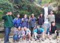 CURUG JENGGALA:Mahasiswa asing asal Kamboja dan sejumlah mahasiswa SWU berkunjung ke Curug Jenggala di Kecamatan Baturraden, baru-baru ini.(SB/dok)