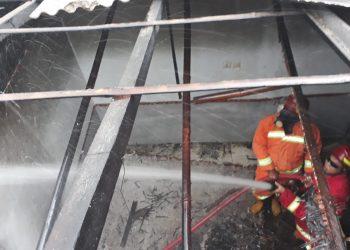 Rumah Buruh Harian Lepas di Cilacap Selatan Terbakar