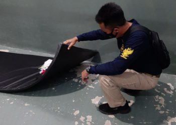 Petugas Razia Kamar Warga Binaan Lapas Batu Nusakambangan