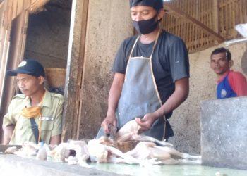 Harga Daging Ayam Merangkak Naik di Majenang