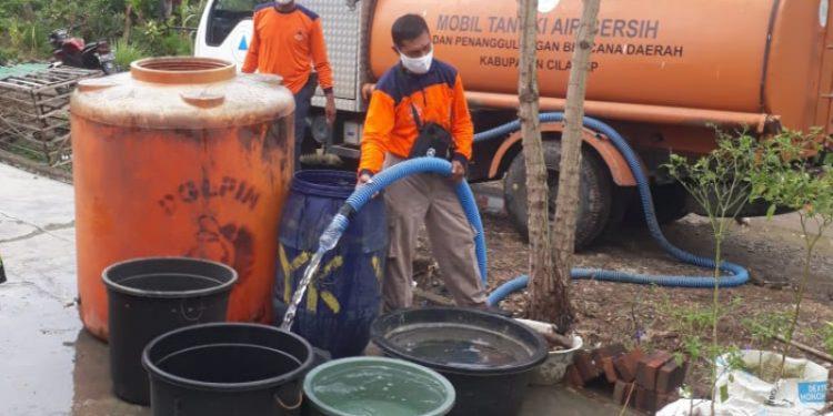 Enam Desa Kekeringan, BPBD Salurkan 9 Tangki Air