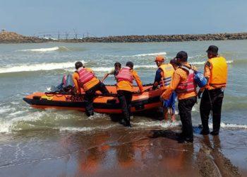 Dihantam Ombak, Anak 8 Tahun Tenggelam di Muara Pantai Sodong